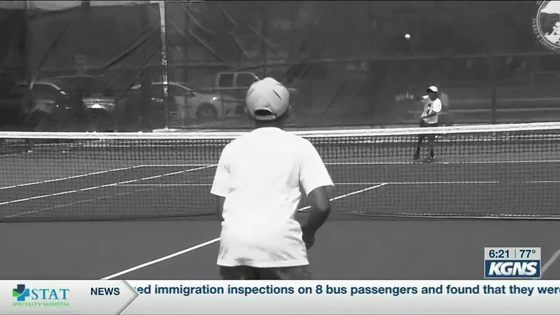 Laredo Tennis Association gives out scholarships