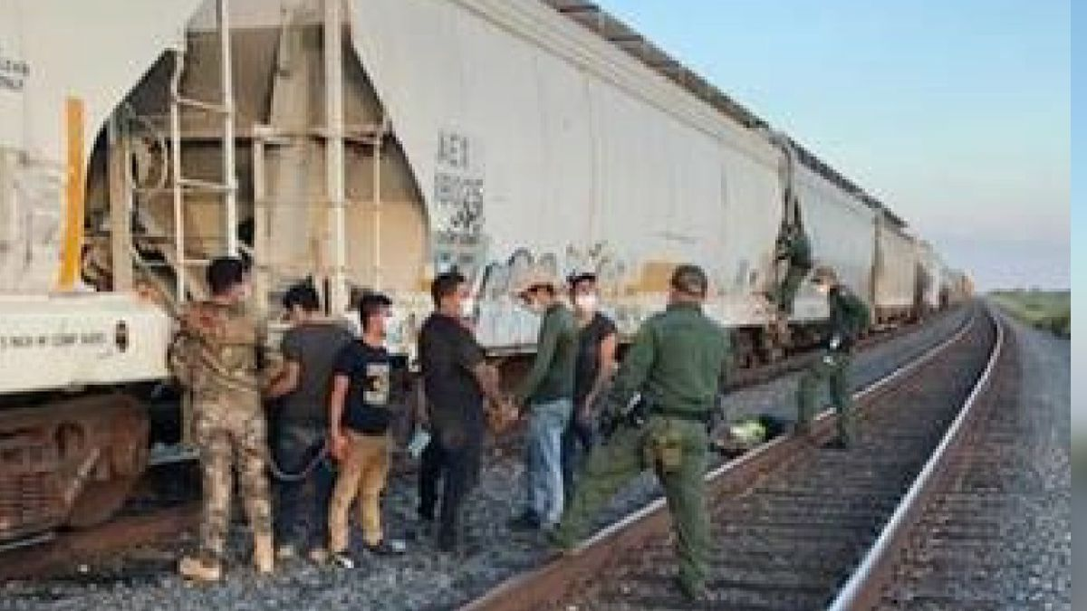 Agents rescue individuals from train car