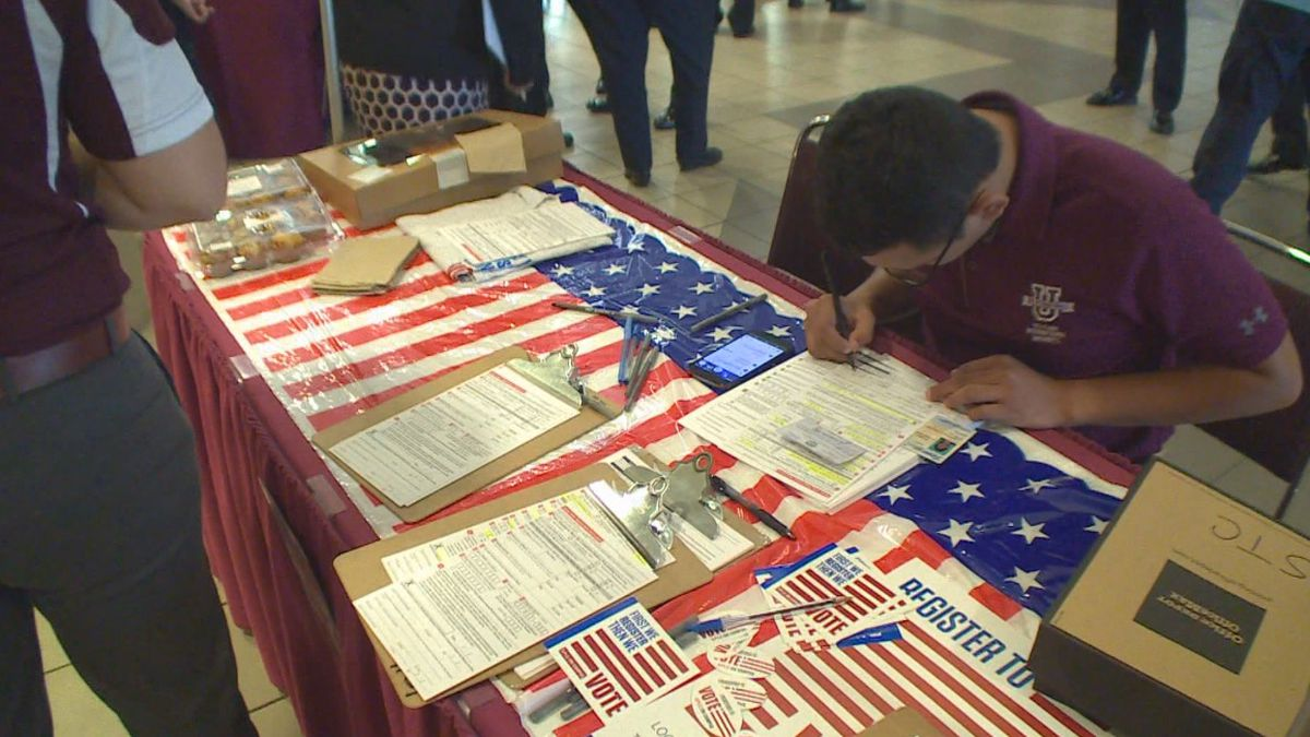 File photo: TAMIU holds National Voter Registration Day event
