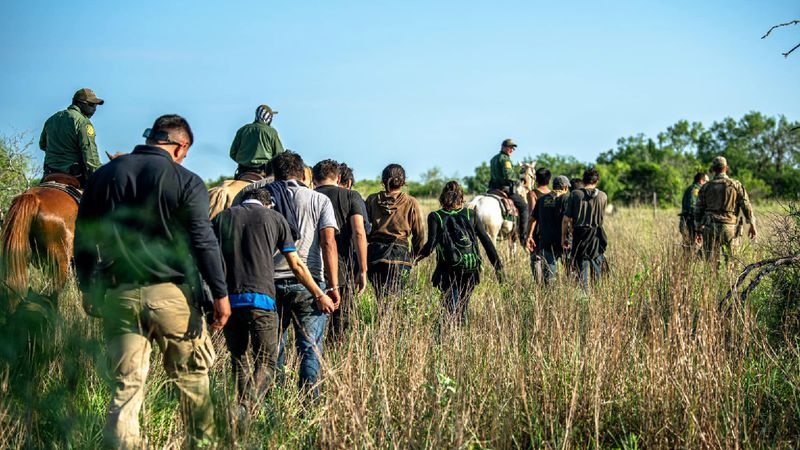 Agents rescue undocumented immigrants from heat