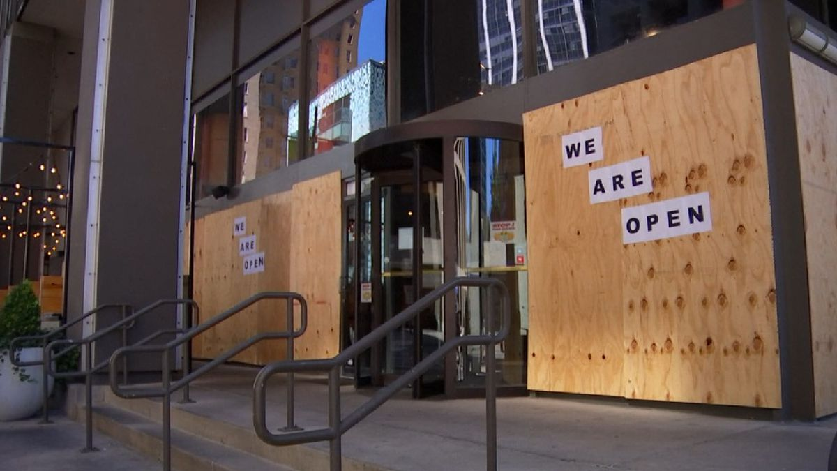 Dallas businesses board up before Election Day