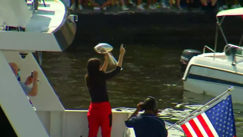 Tampa Bay Buccaneers celebrate their Super Bowl victory with a boat parade. (Source: Bay News 9...