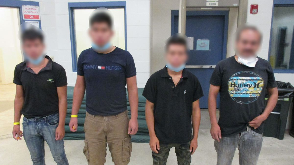 Border Patrol agents arrest 18 undocumented immigrants after they attempt to jump in train