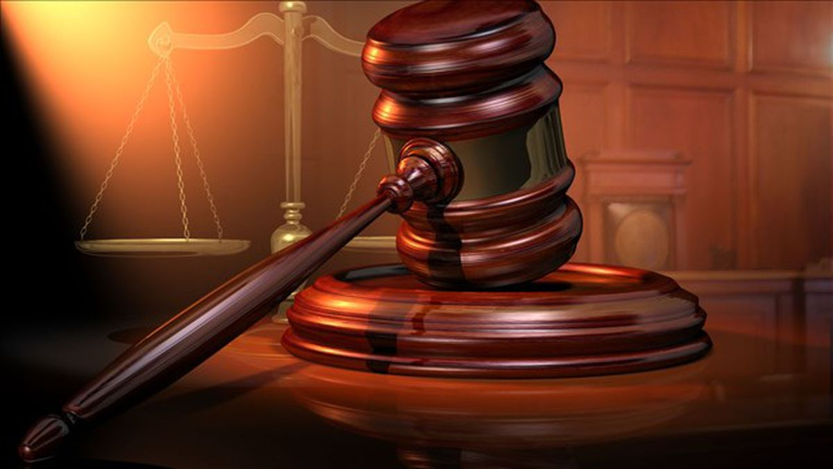 Man indicted for smuggling weapons