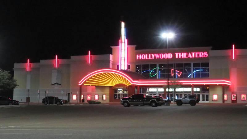 Regal Cinema Hollywood Theater