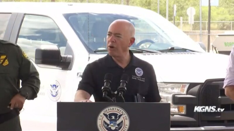 Mayor Saenz meets with DHS secretary during border visit