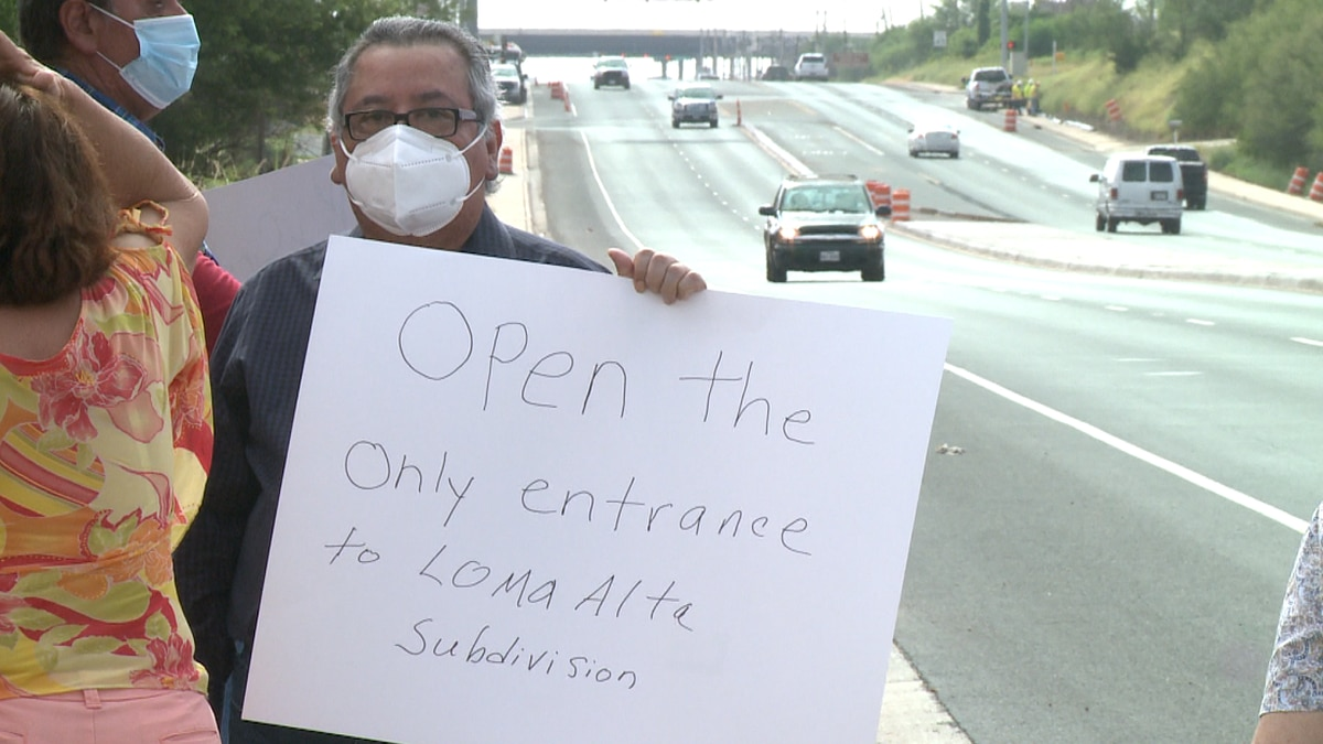 Loma Alta Subdivision protestors organize to bring attention to lack of access points for...