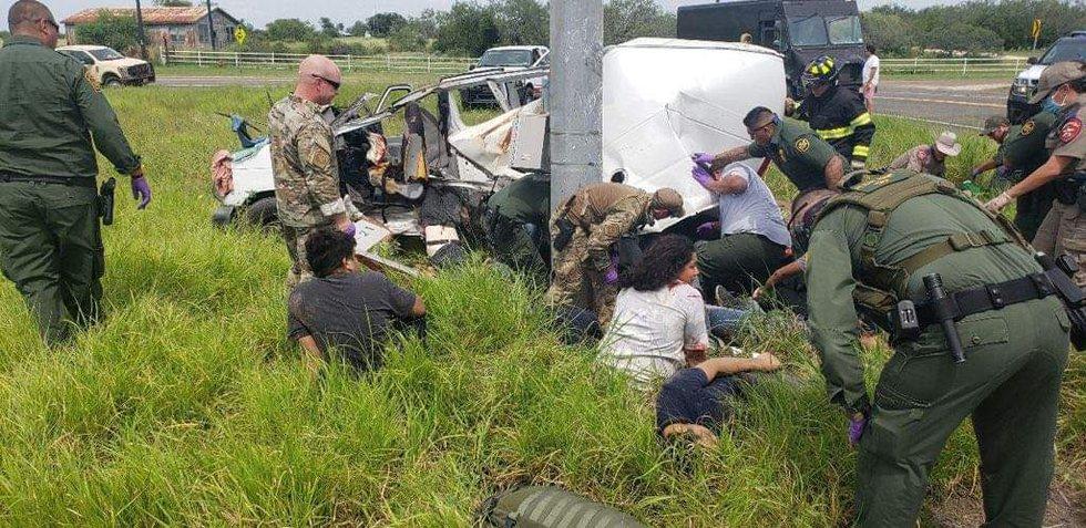 Van crash near Encino, Tx believed to have killed 10 undocumented migrants